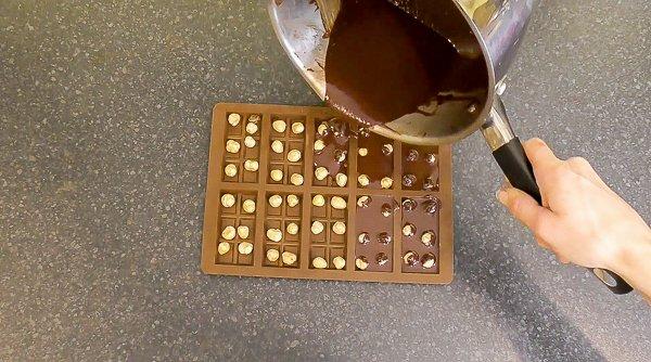 making hazelnut chocolate